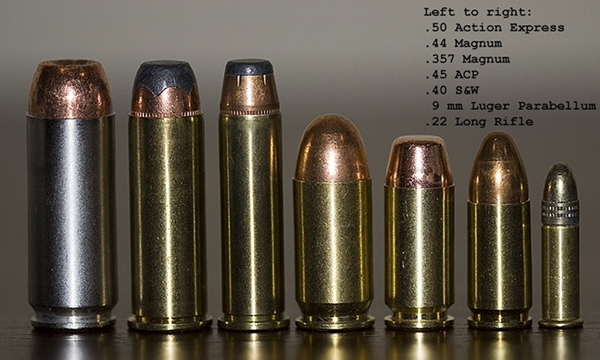 图片: 3.(备注,前三种是沙鹰使用的马格南子弹,45ACP和9mm帕拉贝鲁姆手枪弹是主流手枪子弹,对比可见弹药威力).jpg
