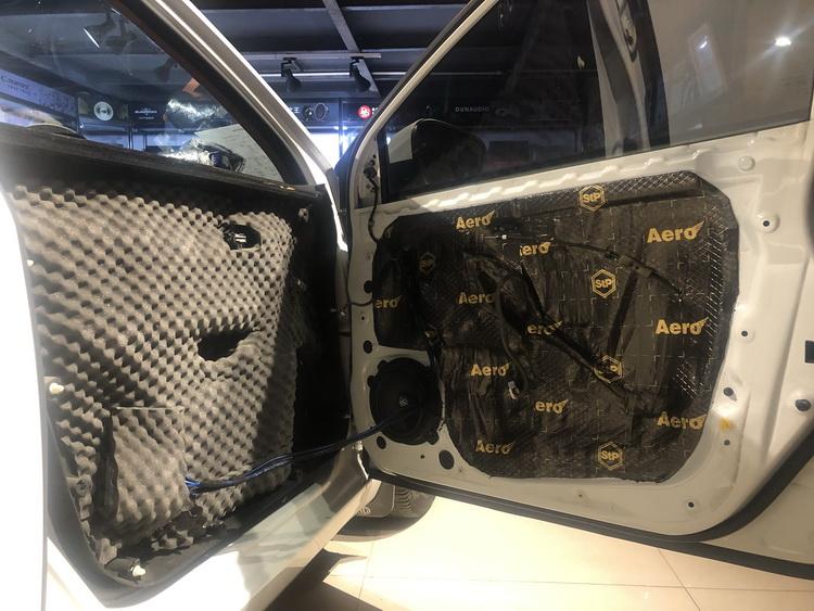 7、将瑞典DLS MB6.2中低音单元安装在汽车前声场位置