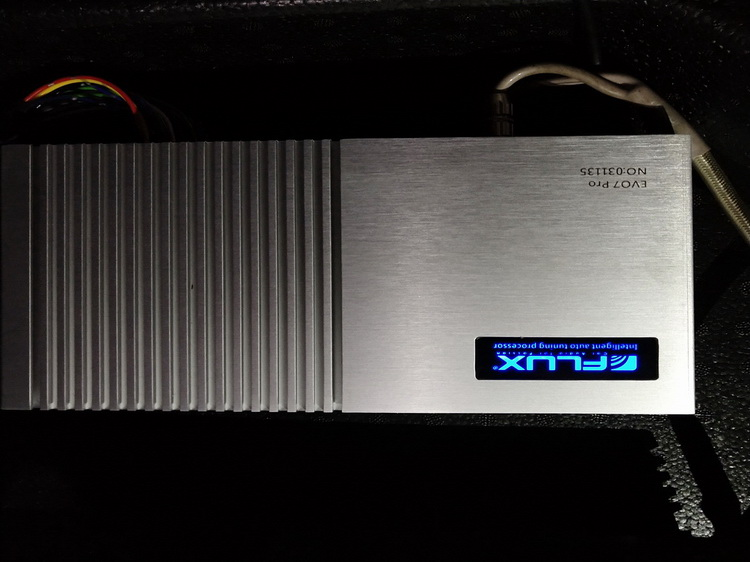 8、为汽车添加德国FLUX智能中央处理器