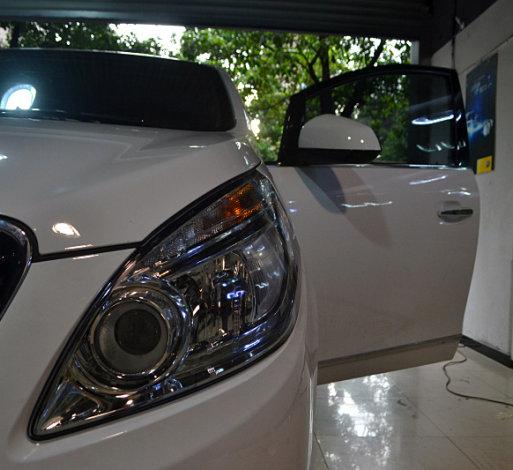 别克GL8车灯改装海拉透镜欧司朗氙气灯