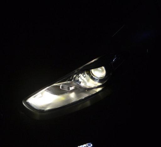 菲亚特菲翔车灯改装进口欧司朗氙气灯海拉透镜