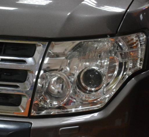 帕杰罗车灯改装透镜氙气灯