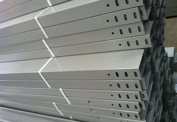 西安槽式桥架规格