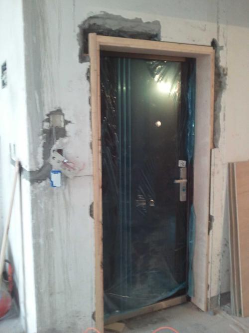 开发商装的防盗门到底该不该换?
