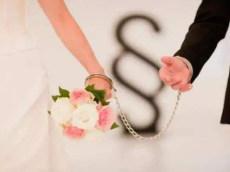 婚姻律师离婚时调解与庭审有什么不同?