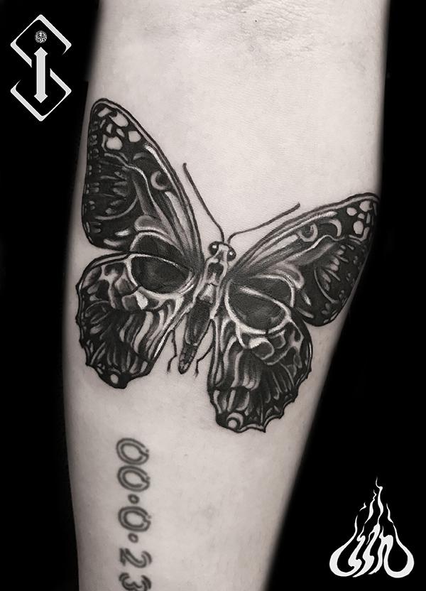 蝴蝶水墨纹身-蝴蝶黑白纹身