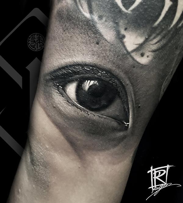 写实眼睛纹身欣赏