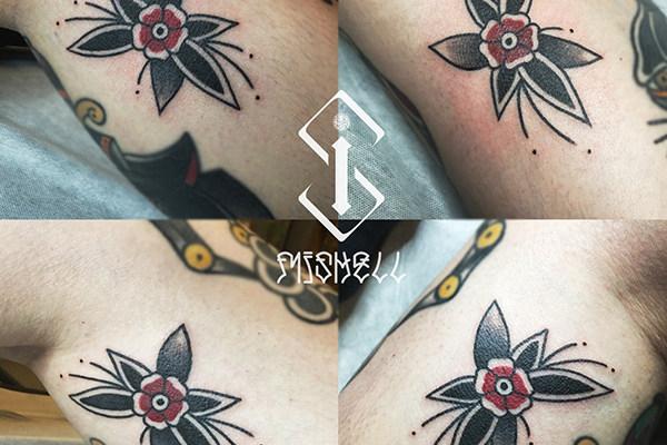 花纹身_花卉纹身