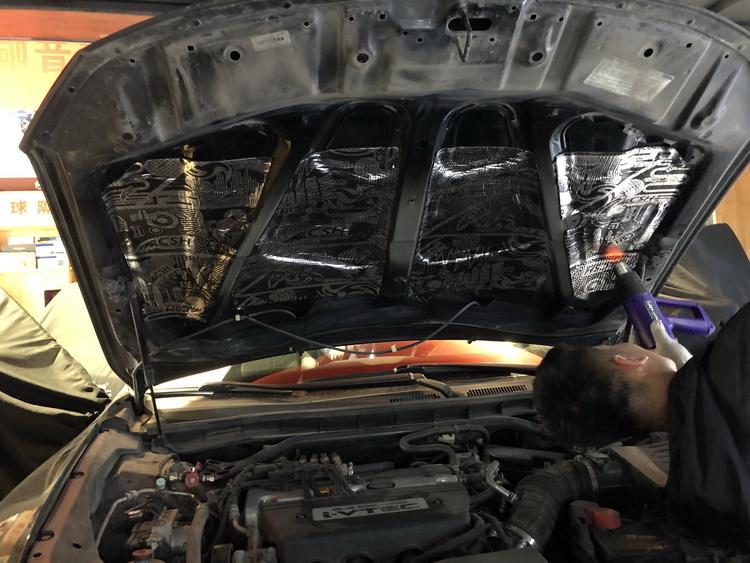 2、引擎盖隔音处理